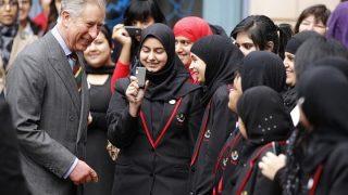อังกฤษตะลึง!! 30 โรงเรียนโบสถ์คริสต์ต้องปรับตัว เมือมีนักเรียนมุสลิมกว่า50% เรียน