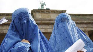 รัฐสภาเยอรมนีบางส่วนลงมติเห็นชอบห้ามมุสลิมสวมฮิญาบแบบบุรก้าปิดเต็มใบหน้า